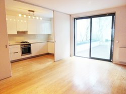3 Bedroom Apartment Lisbon, Lisbon Ref :AMA13744