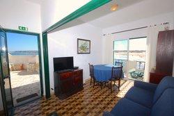 2 Bedroom Apartment Peniche, Silver Coast Ref :AA360