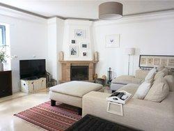 3 Bedroom Apartment Cascais, Lisbon Ref :AMA14144
