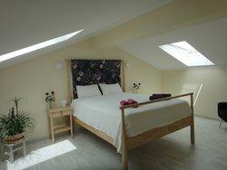 4 Bedroom Villa Foz do Arelho, Silver Coast Ref :AV2071