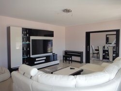 4 Bedroom Villa Caldas da Rainha, Silver Coast Ref :AV2074