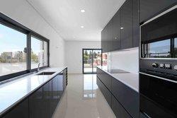 3 Bedroom Villa Quarteira, Central Algarve Ref :PV3584