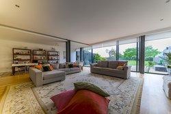 4 Bedroom Villa Vila Nova de Gaia, Porto Ref :AVP70