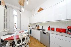 2 Bedroom Apartment Porto, Porto Ref :AAP74