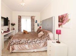 3 Bedroom Apartment Santa Barbara de Nexe, Central Algarve Ref :JA10466