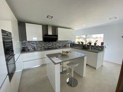 4 Bedroom Villa Caldas da Rainha, Silver Coast Ref :AV2110