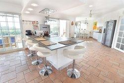 6 Bedroom Villa Boliqueime, Central Algarve Ref :PV3625