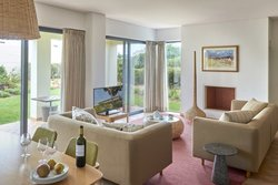 2 Bedroom House Vila do Bispo, Western Algarve Ref :ASV238B