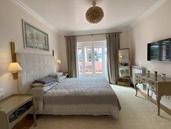 7 Bedroom Villa Cascais, Lisbon Ref :AVI365