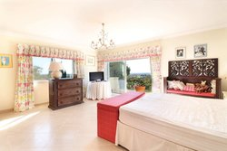 4 Bedroom Villa Almancil, Central Algarve Ref :PV3648