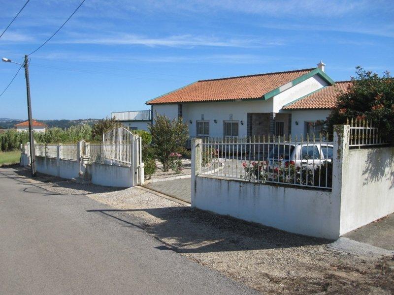 4 Bedroom Villa Alfeizerao, Silver Coast Ref: AV1219