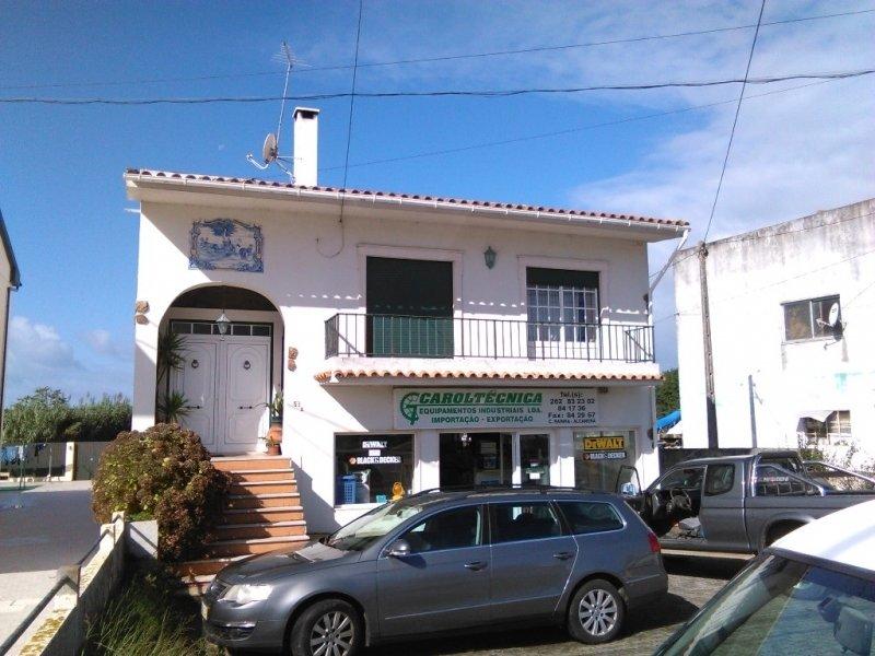 4 Bedroom Villa Sao Martinho do Porto, Silver Coast Ref: AV1242