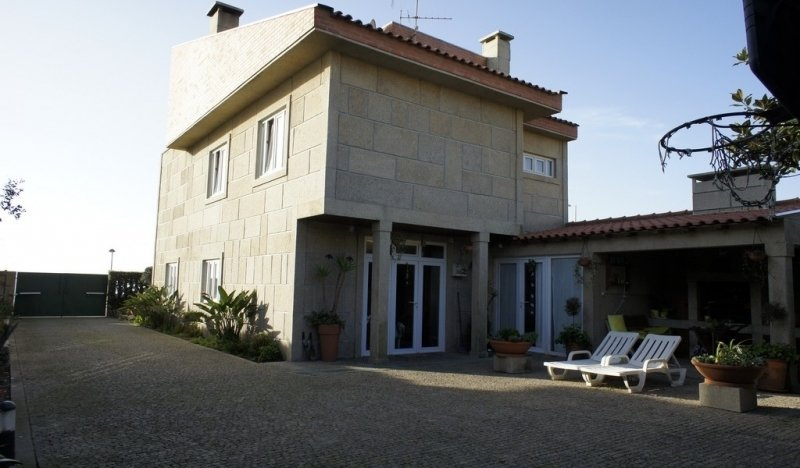 3 Bedroom Villa Vila Nova de Gaia, Porto Ref: AV1248