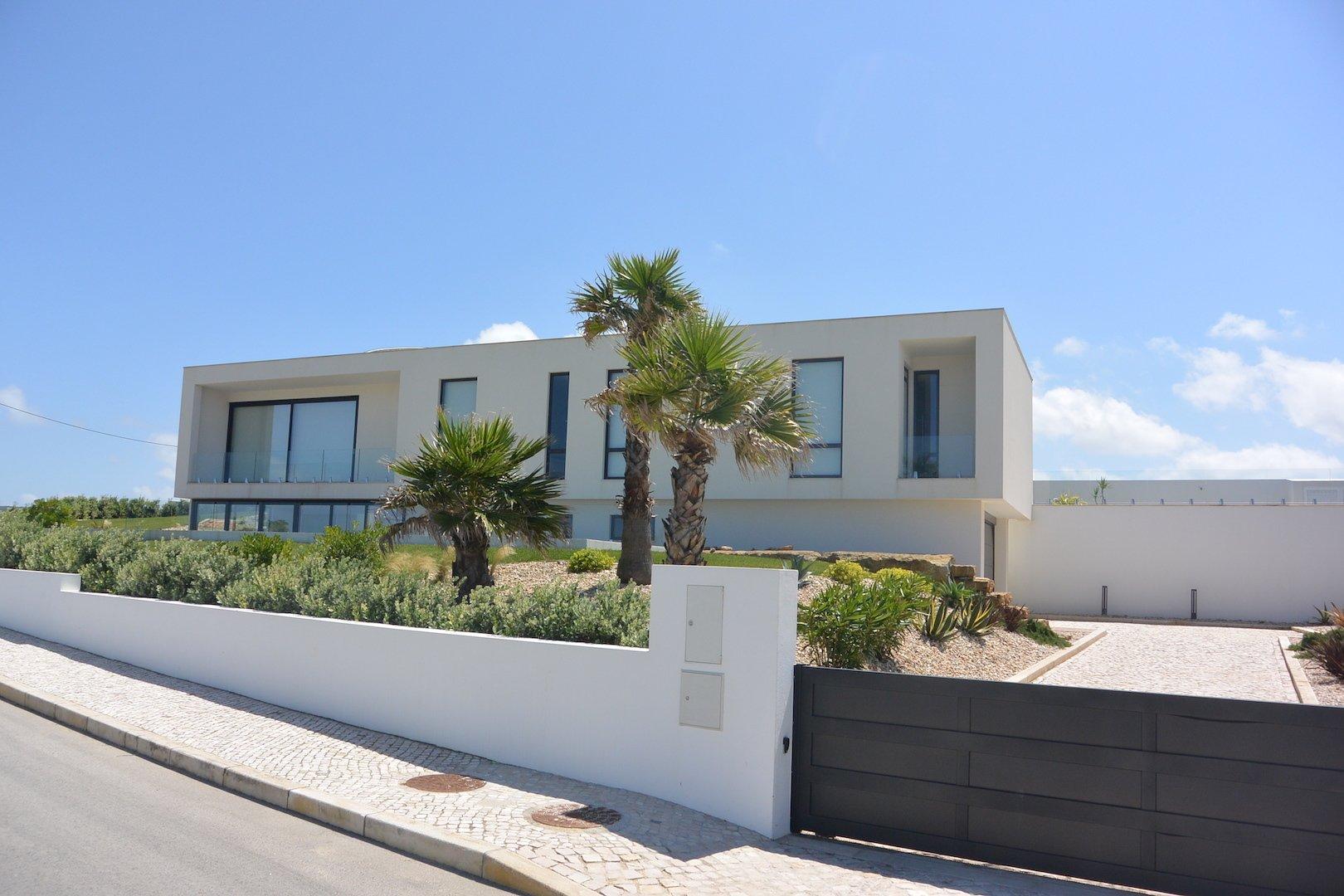 4 Bedroom Villa Foz do Arelho, Silver Coast Ref: AV1333