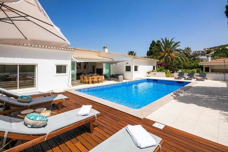 4 Bedroom Villa Praia da Luz, Western Algarve Ref: GV005