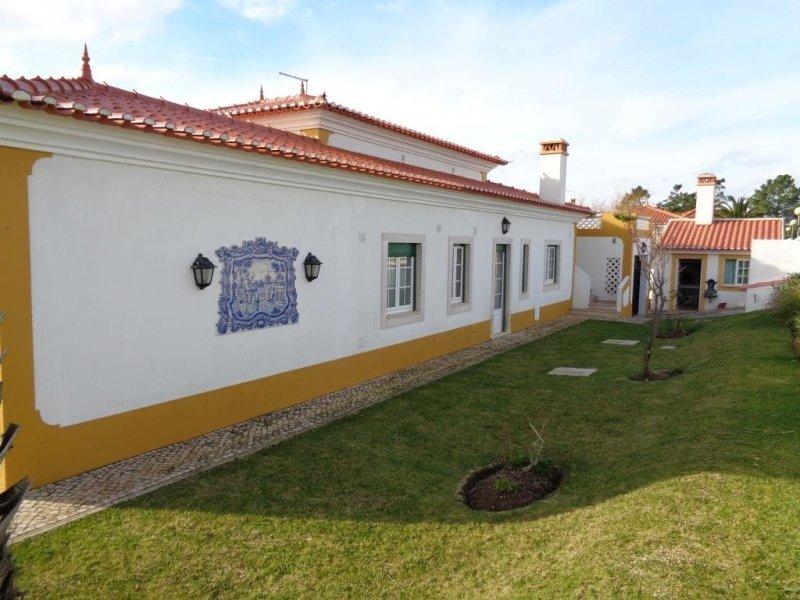 4 Bedroom Villa Foz do Arelho, Silver Coast Ref: AV1455