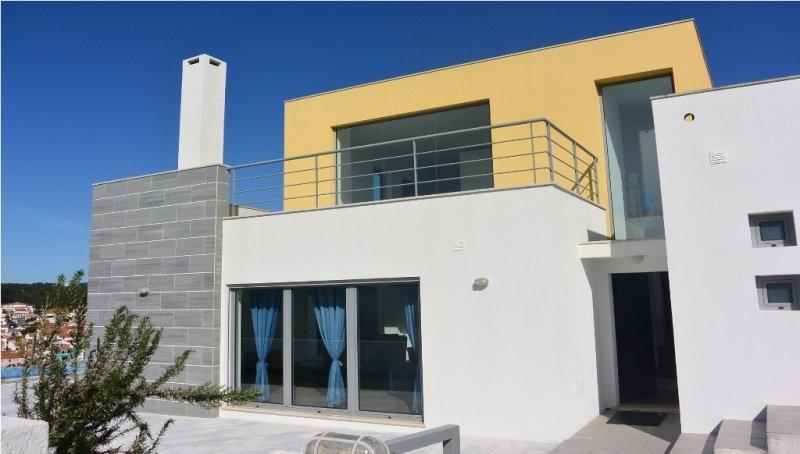 4 Bedroom Villa Foz do Arelho, Silver Coast Ref: AV1486