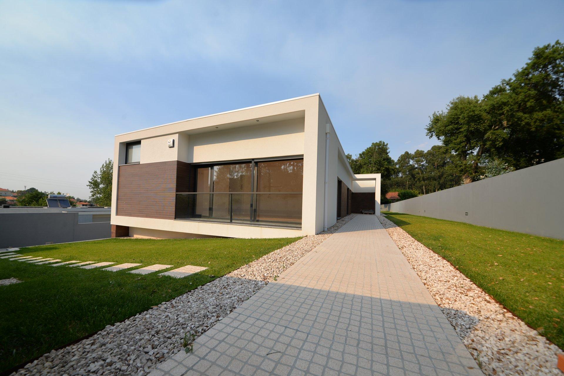 3 Bedroom Villa Vila Nova de Gaia, Porto Ref: AVP5