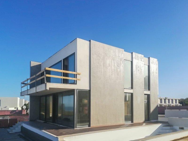 4 Bedroom Villa Torres Vedras, Silver Coast Ref: AV1833