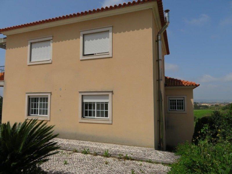 5 Bedroom Villa Cadaval, Silver Coast Ref: AV1843