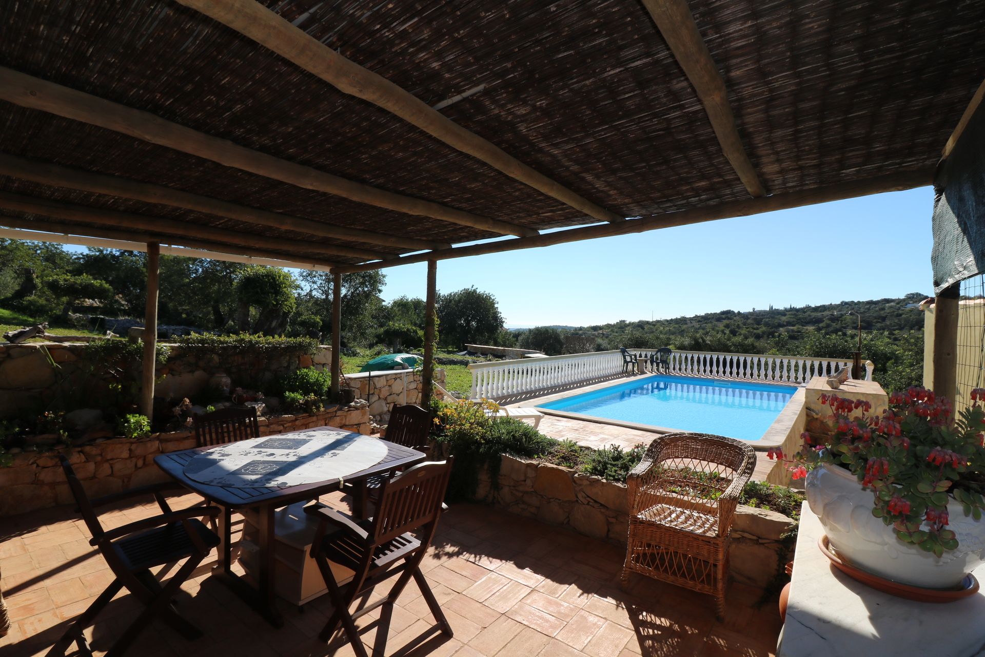 2 Bedroom Bungalow Santa Barbara de Nexe, Central Algarve Ref: JV10246