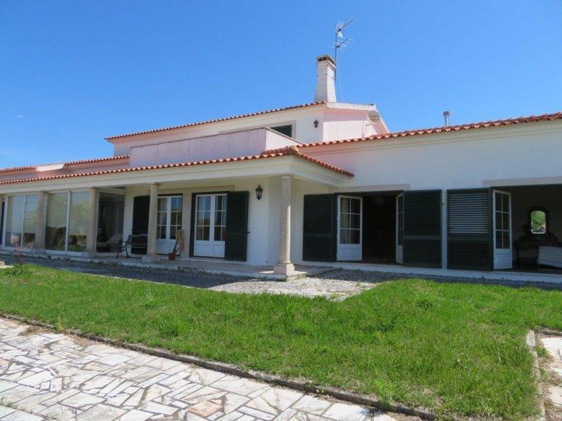 6 Bedroom Villa Obidos, Silver Coast Ref: AV1874