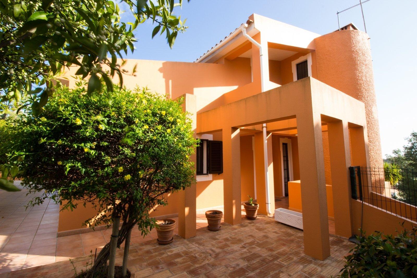 4 Bedroom Villa Loule, Central Algarve Ref: PV3338