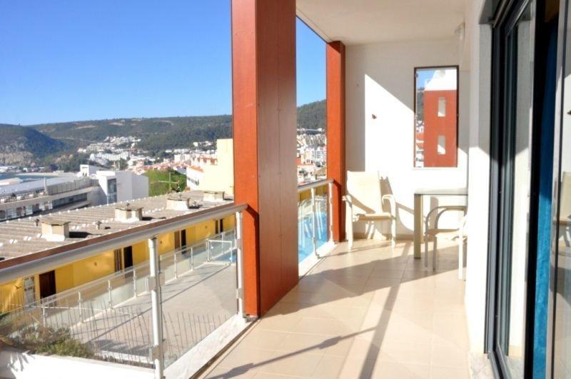 2 Bedroom Apartment Sesimbra, Blue Coast Ref: AA344