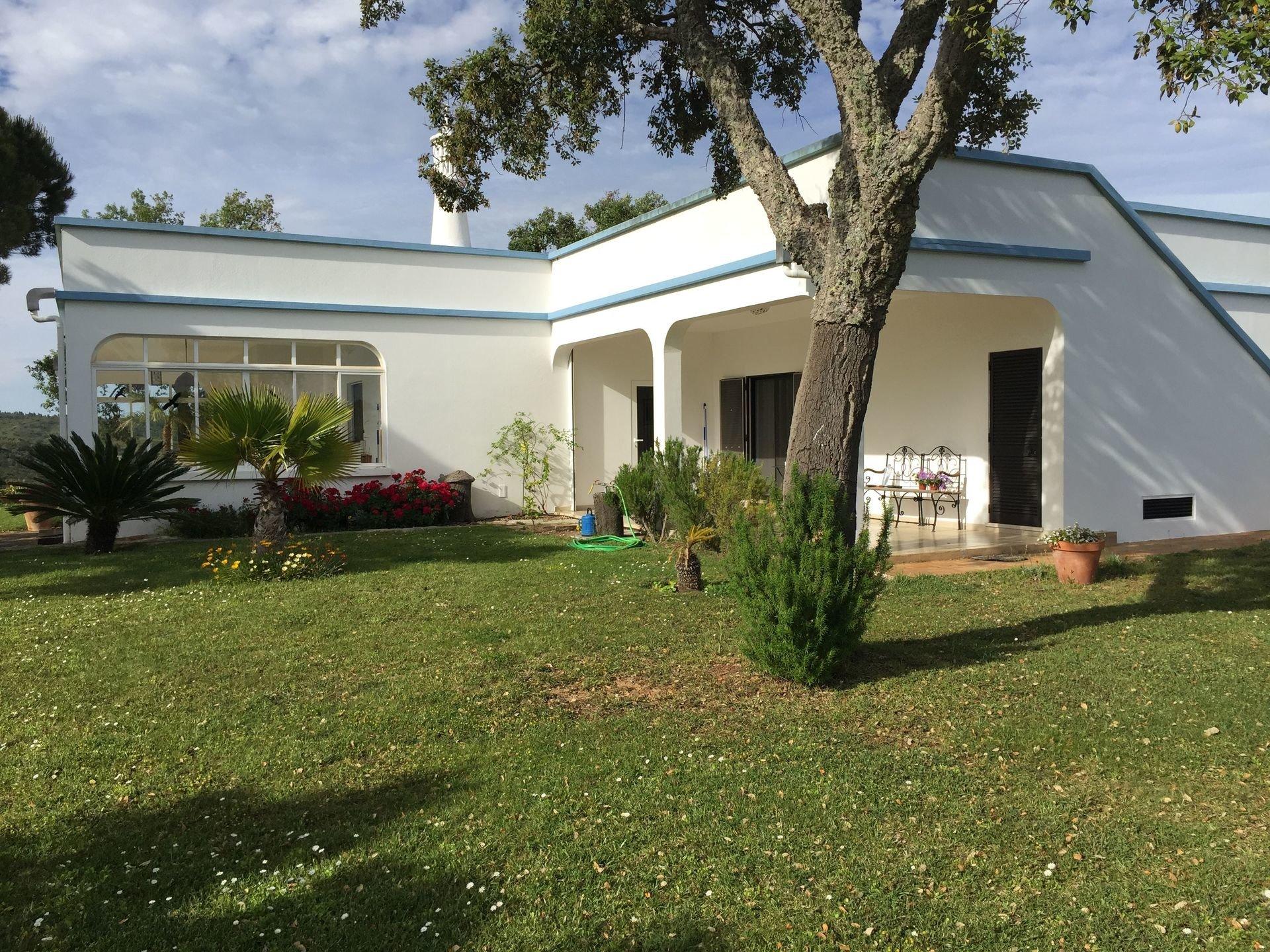 3 Bedroom Villa Sao Bras de Alportel, Central Algarve Ref: JV10278