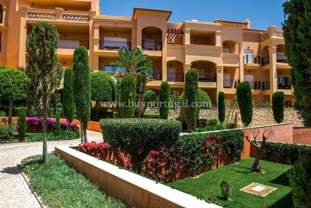 1 Bedroom Apartment Praia da Luz, Western Algarve Ref: GA325