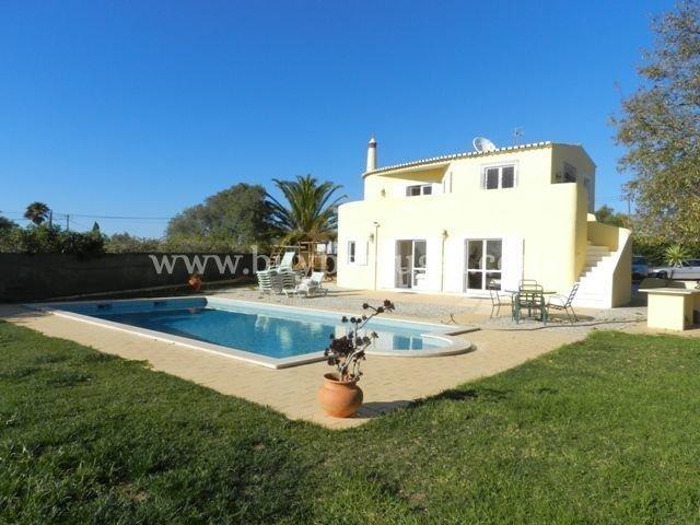 4 Bedroom Villa Praia da Luz, Western Algarve Ref: GV518