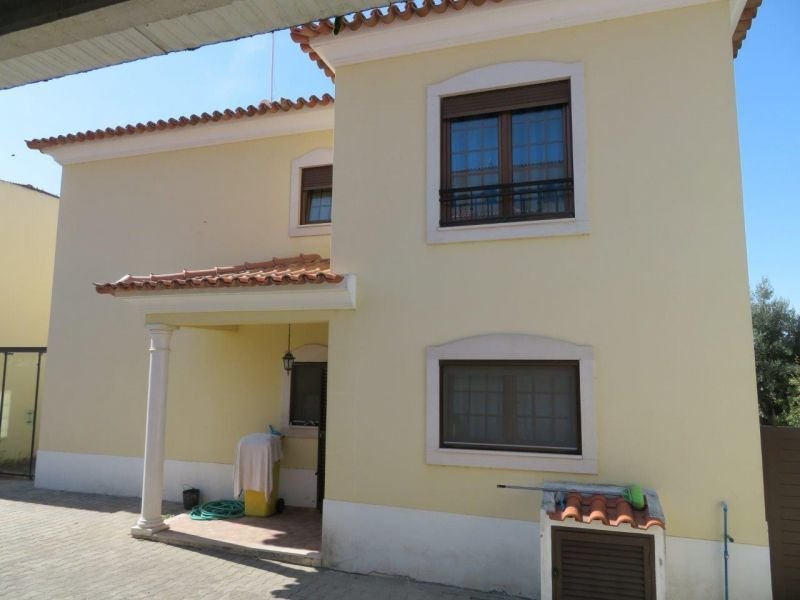 4 Bedroom Villa Cadaval, Silver Coast Ref: AV1907