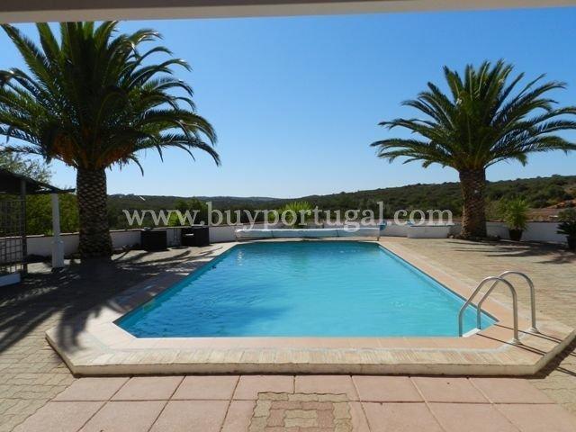 6 Bedroom Villa Lagos, Western Algarve Ref: GV512