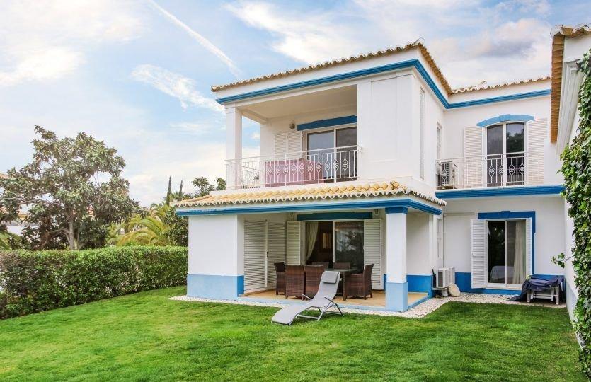 2 Bedroom Apartment Quinta Do Lago, Central Algarve Ref: MA21263