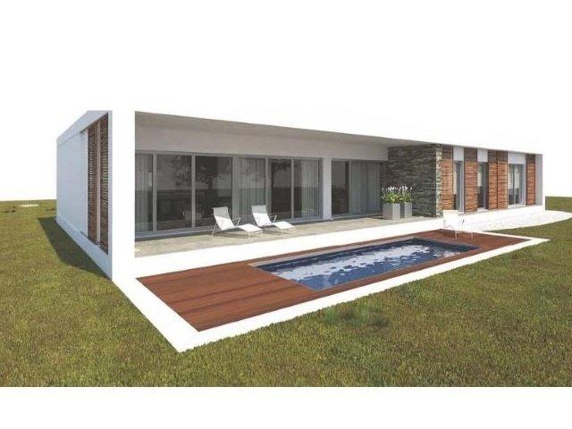 4 Bedroom Villa Lisbon, Lisbon Ref: AVM103
