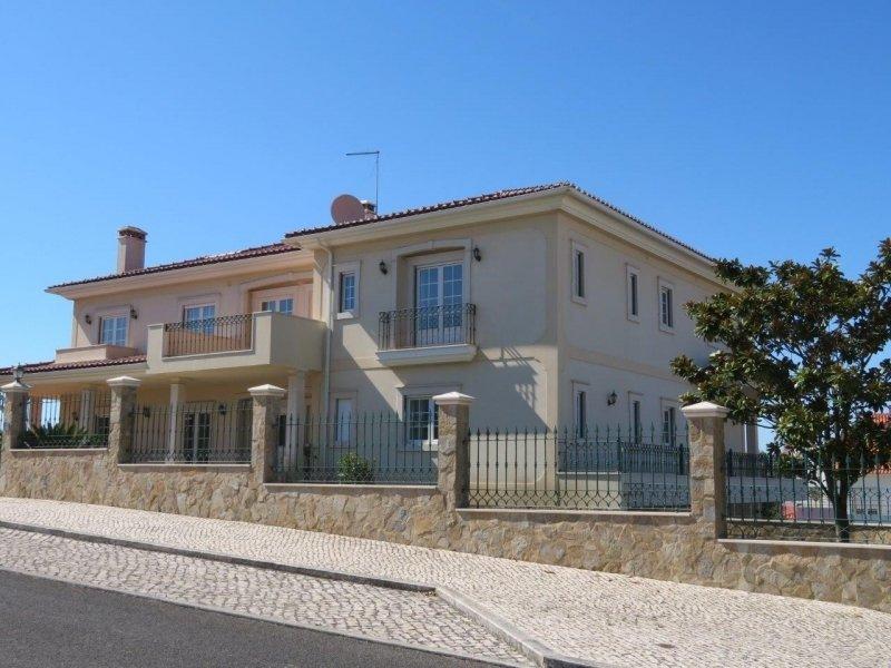 5 Bedroom Villa Caldas da Rainha, Silver Coast Ref: AV1910