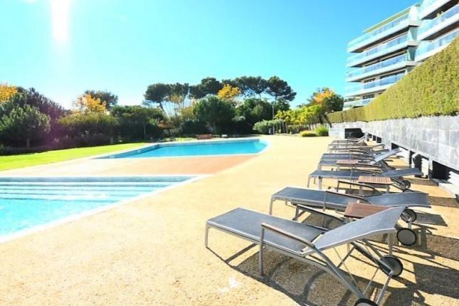 1 Bedroom Apartment Cascais, Lisbon Ref: AAM109