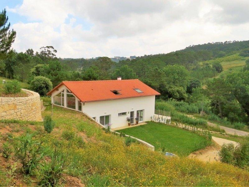 2 Bedroom Villa Caldas da Rainha, Silver Coast Ref: AV1921