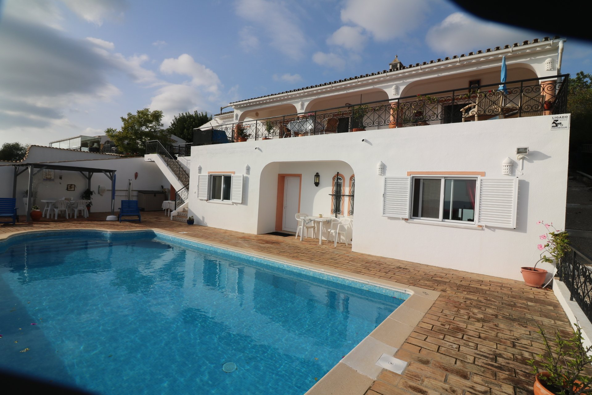 4 Bedroom Villa Sao Bras de Alportel, Central Algarve Ref: JV10299