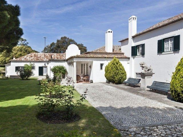 7 Bedroom Villa Sintra, Lisbon Ref: AVM117