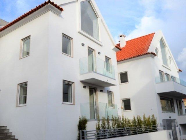 2 Bedroom Apartment Cascais, Lisbon Ref: AAM120