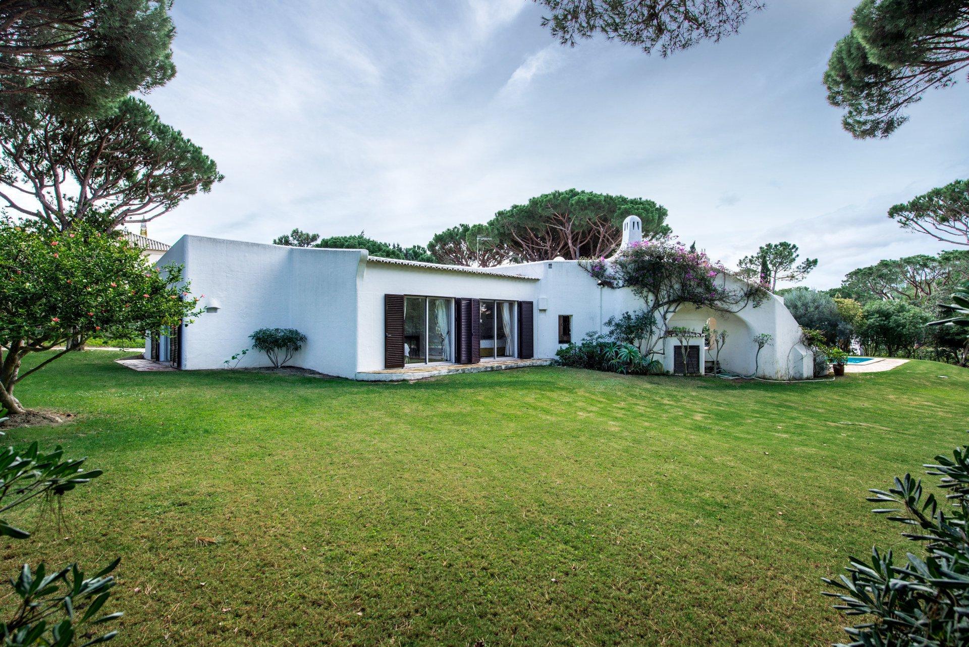 5 Bedroom Villa Quinta Do Lago, Central Algarve Ref: MV21162