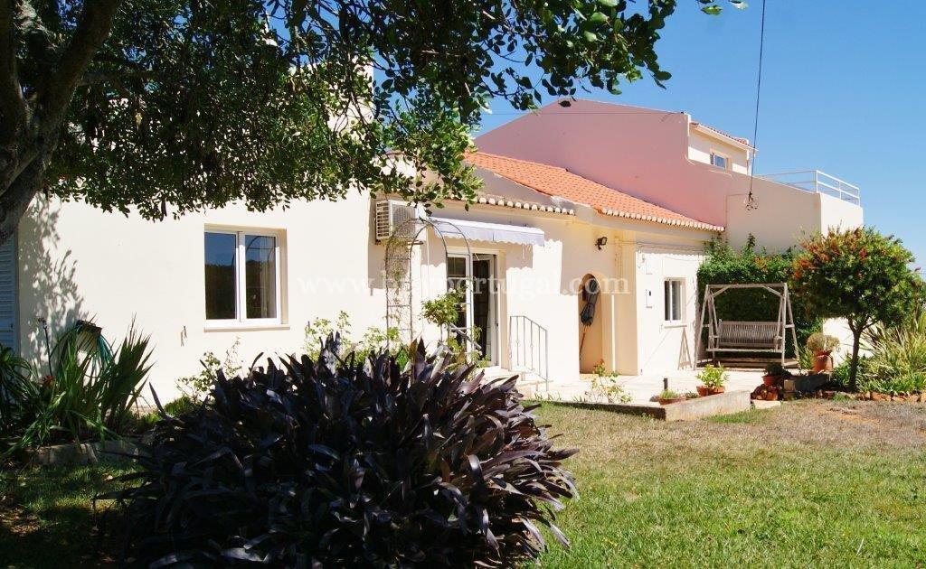 6 Bedroom Villa Espiche, Western Algarve Ref: GV550