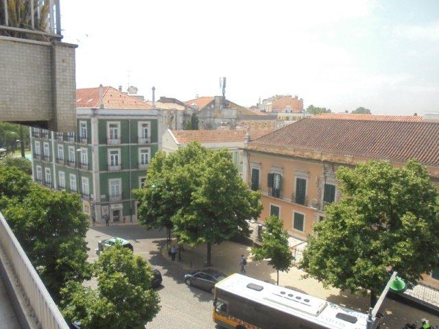 2 Bedroom Apartment Lisbon, Lisbon Ref: AAM127