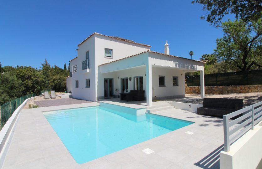 3 Bedroom Villa Almancil, Central Algarve Ref: MV20202