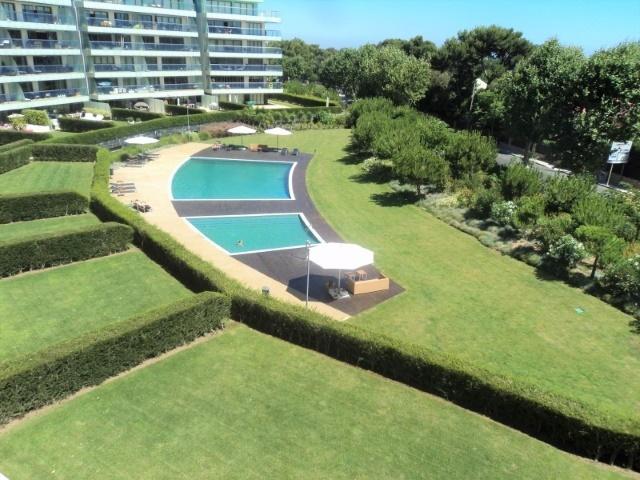 4 Bedroom Apartment Cascais, Lisbon Ref: AAM136