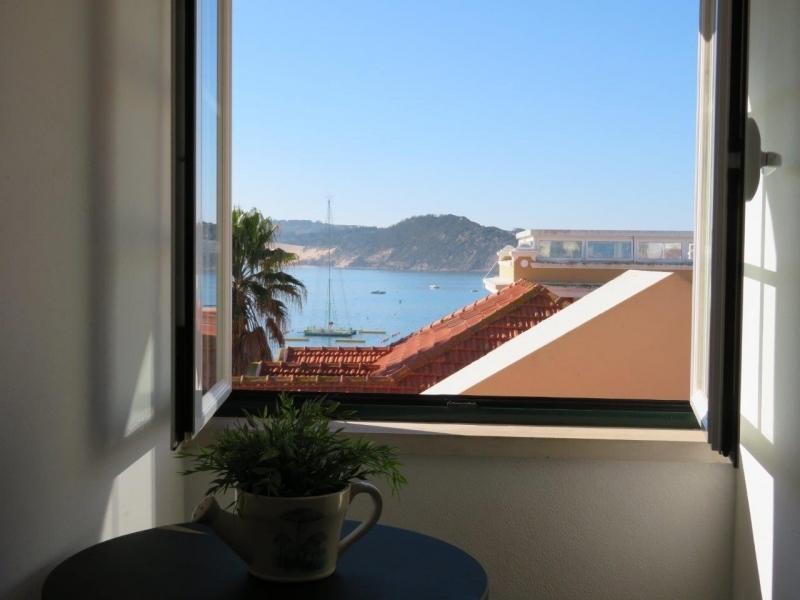 3 Bedroom Apartment Sao Martinho do Porto, Silver Coast Ref: AA351