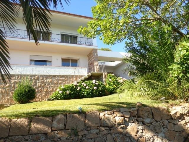4 Bedroom Villa Cascais, Lisbon Ref: AVM150