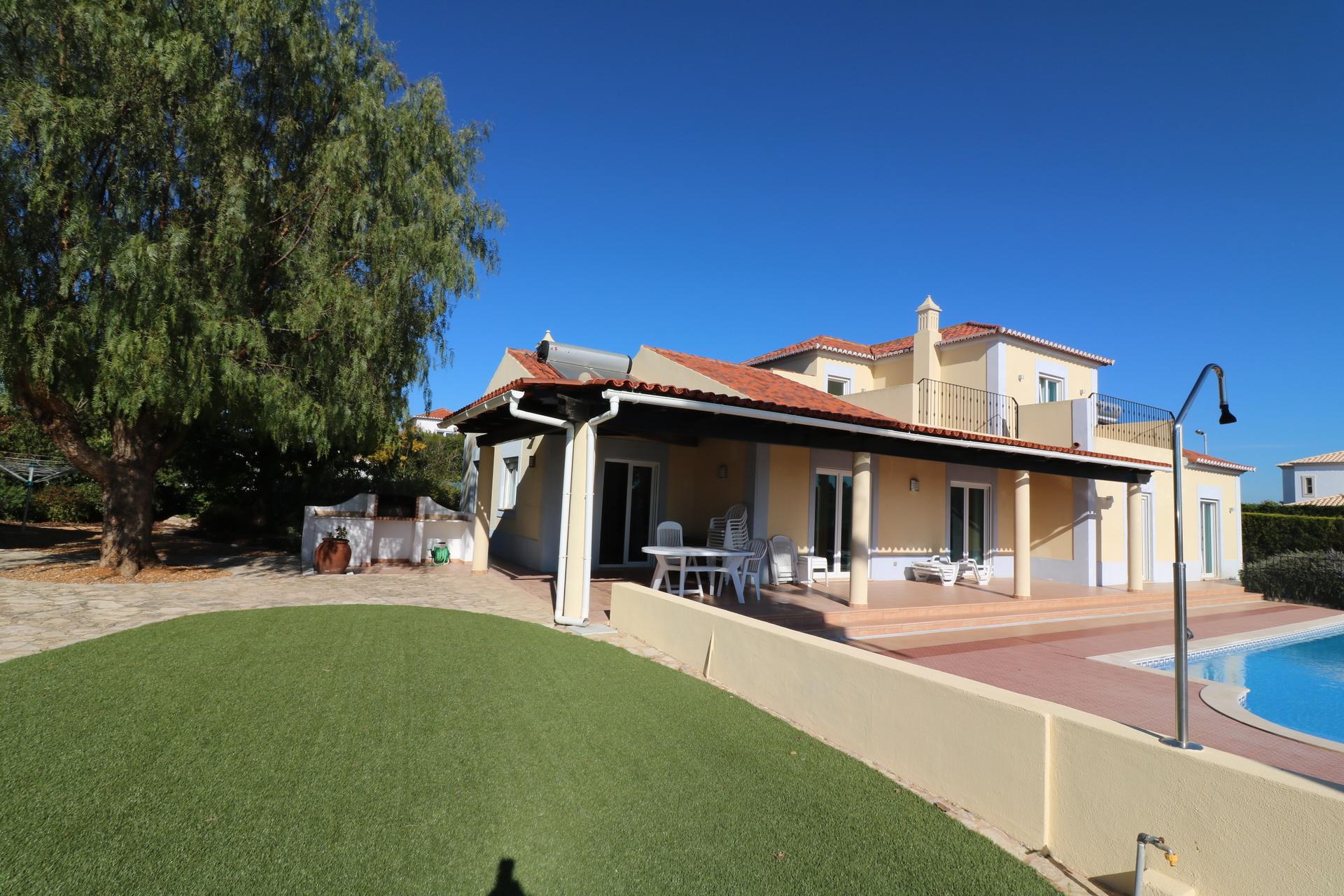 4 Bedroom Villa Olhao, Eastern Algarve Ref: JV10327