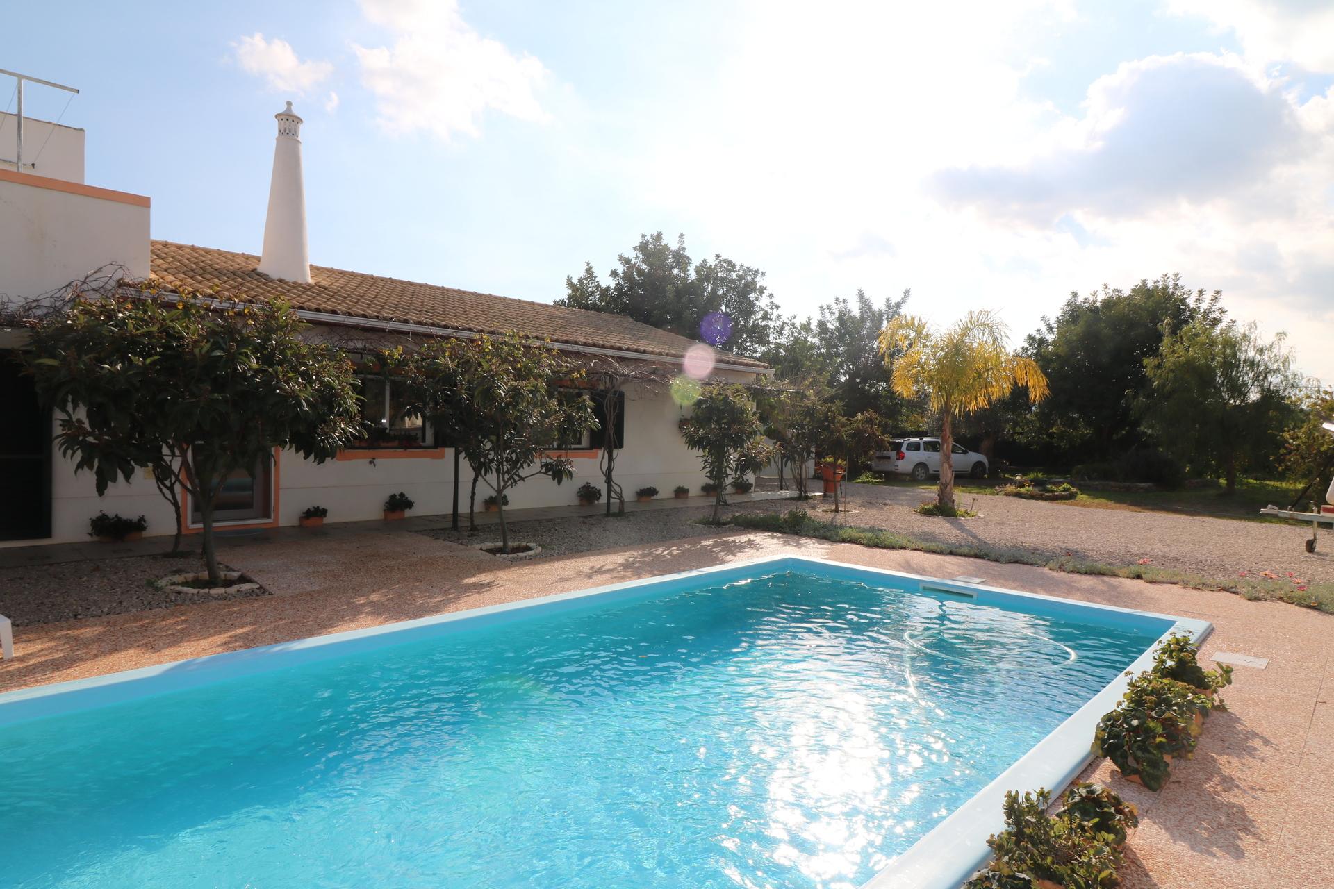 4 Bedroom Villa Santa Catarina da Fonte do Bispo, Eastern Algarve Ref: JV10328